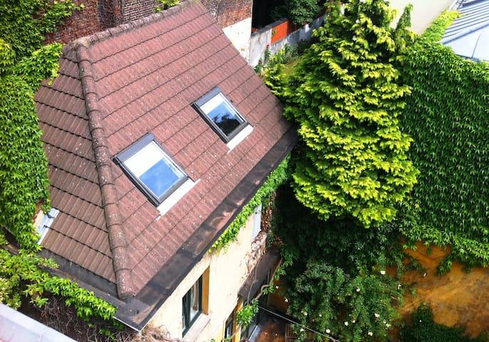 ancienne maison bruxelloise - Saint-Josse-ten-Noode - Bed & Breakfast