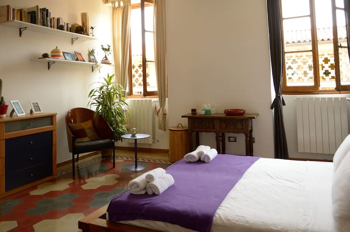 "Buonocore Guesthouse, room ""Franz"" - Bergame - Bed & Breakfast"