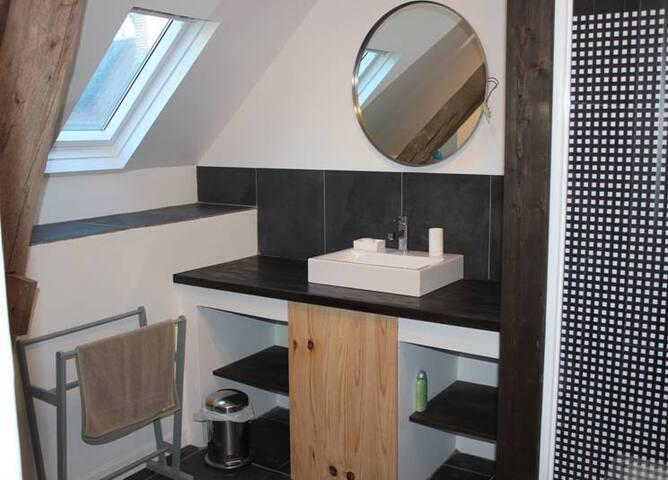 appartement confortable - méry es bois
