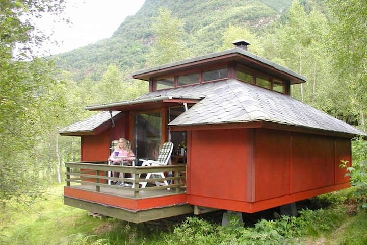 Cosy cabin by the Sognefjord (Cabin #2) - Balestrand