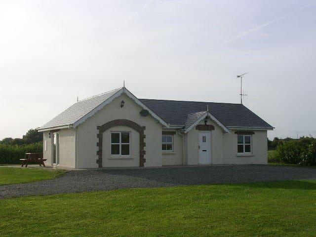 Cottage on Organic Farm [TE] - Kilmore