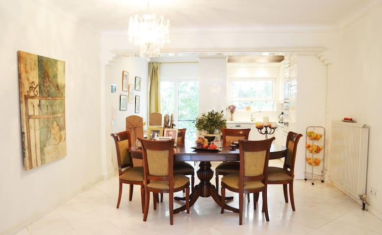 Luxurious furnished house Kifisia - Vorios Tomeas Athinon - Huis