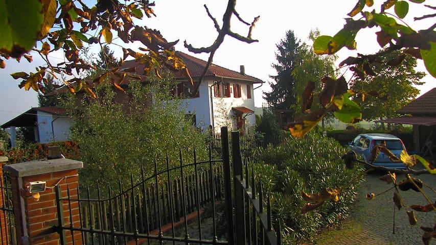 Una terrazza sul Monferrato - Moncucco Torinese - Дом