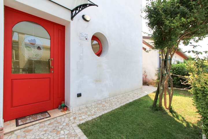 The Artist's House room three-per amici viaggiator - Montebelluna - Bed & Breakfast