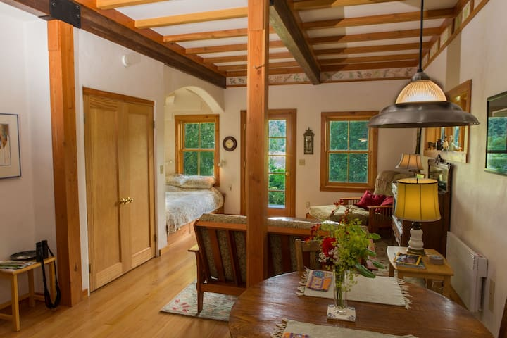 The Cottage at Tibbals Lake - Port Townsend - Chalet