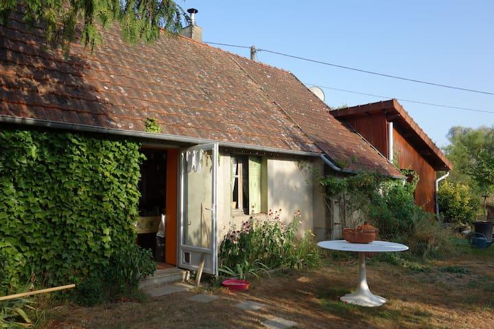 Cabane en bois - Mornay-sur-Allier - Hus