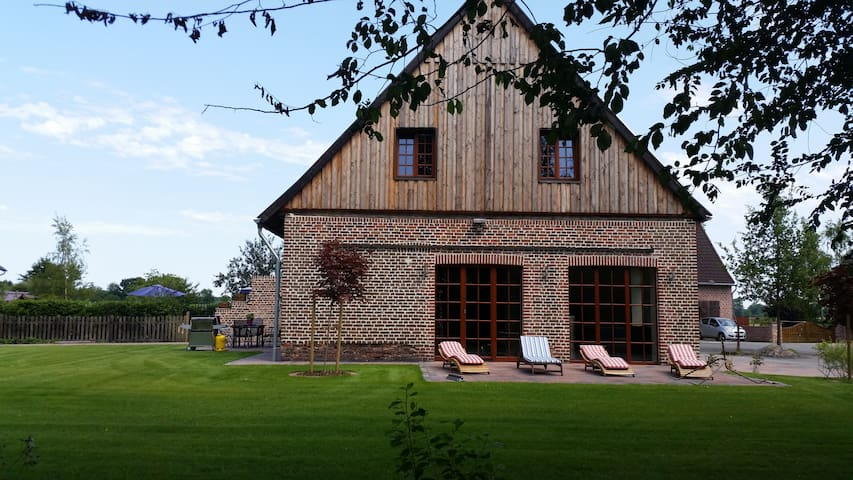 Old Farmhouse, brand new renovated - Selm - Huis