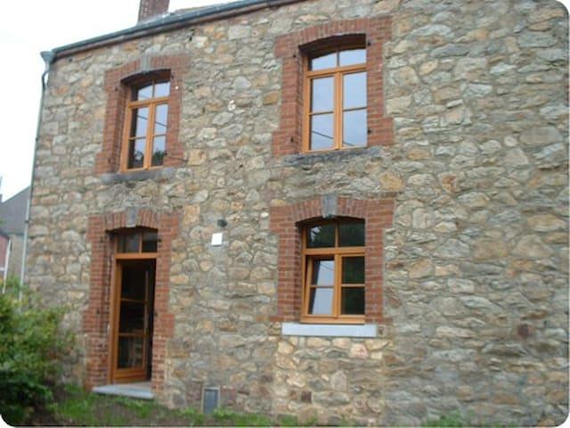 Le Ry Flache - Viroinval - Casa
