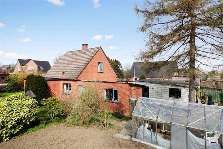 Nice 102 m2 House 3 km to Beach - Horslunde - Casa