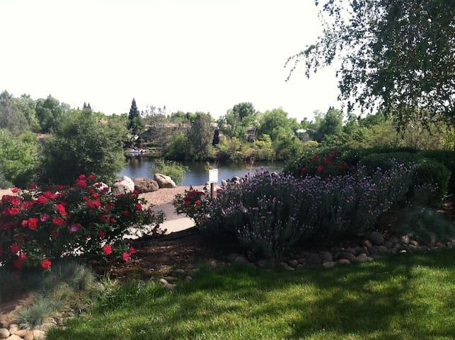 Chico lake front home - Chico - Ev