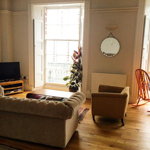 Harbour View Apartment w/ balcony - Ilfracombe