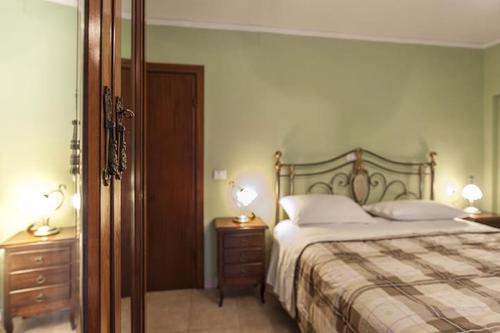 Green room of B&BGranparents house  - Scanno