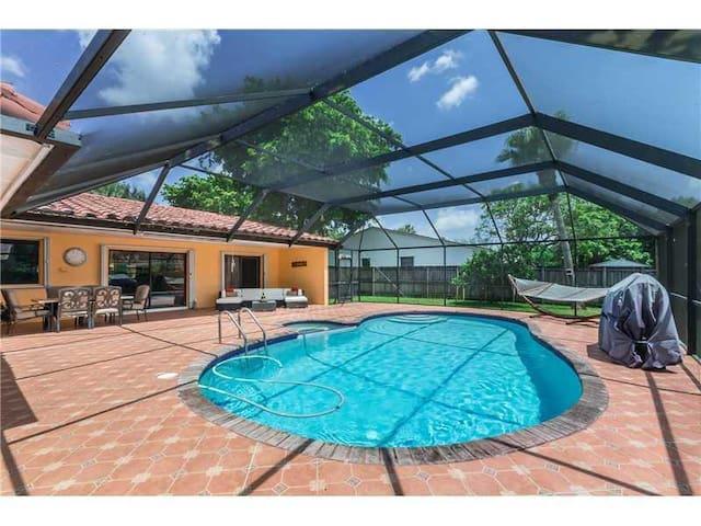 Single bedroom in Miami Lakes - Miami Lakes - Maison
