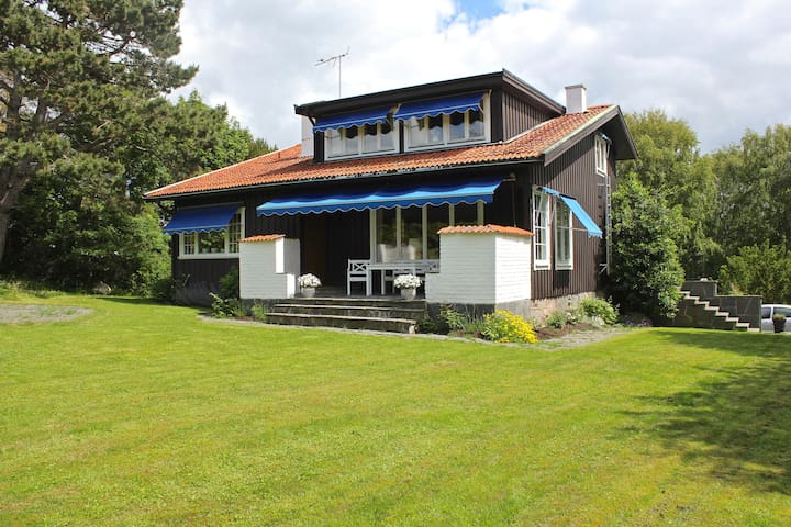 4 Bedroom Villa with Seaside Cabana - Kullavik - Huvila