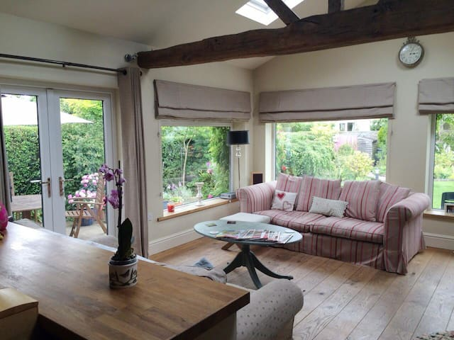 Detached property in pretty village - Haxby