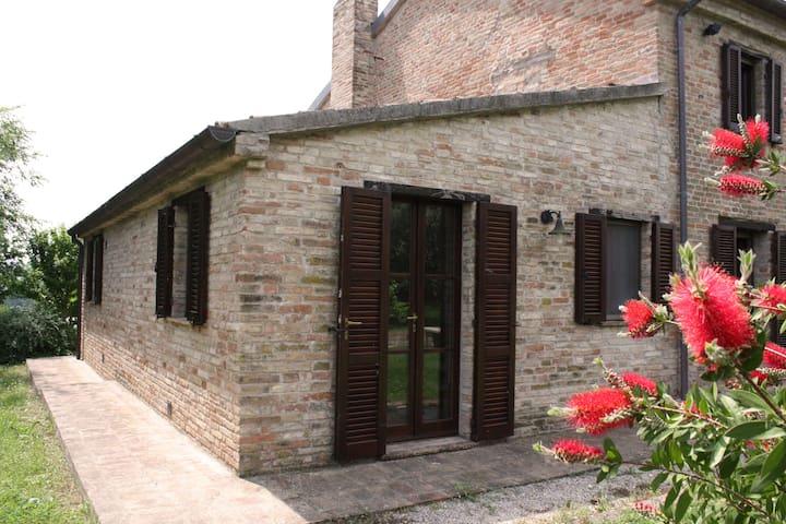 Studio Charming Villa in Le Marche - Mondavio - Villa