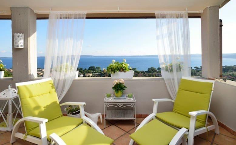 La Maison de Sophie Lakeview Apt. Pet Friendly - Trevignano Romano - Appartement