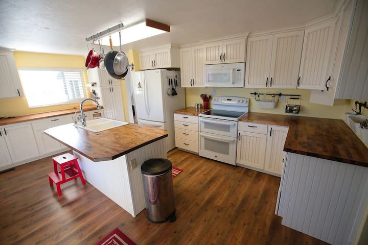 Charming Home near Bryce and Zion - Glendale - Huis