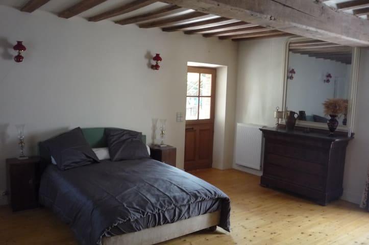 Chambre dans ferme du XVIIIe - Lignerolles