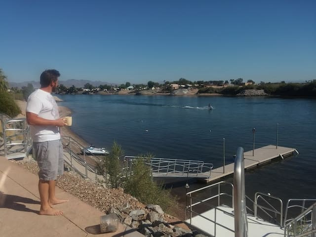 5bd 6bth waterfront home with dock on the river - Needles - Talo