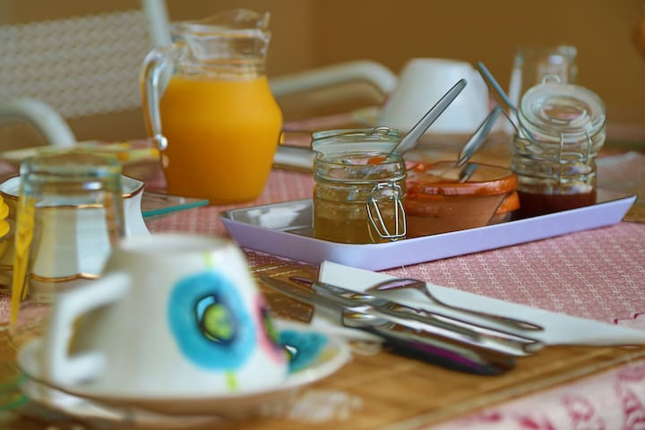 Bed and breakfast, 79 € for 2 per - Tabre - Bed & Breakfast
