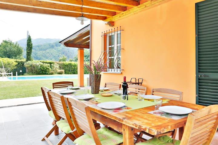 VILLA SOLE / FAMILIES/PETS FRIENDLY - San Martino In Freddana-monsagr - Villa