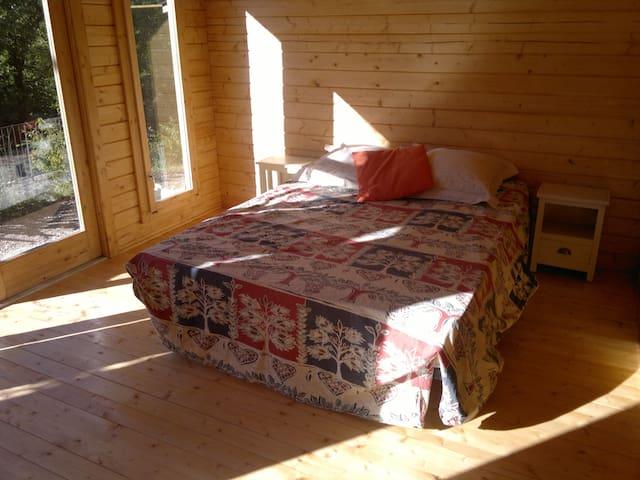 Chalet de 11m2 avec lit double - Le Bar-sur-Loup