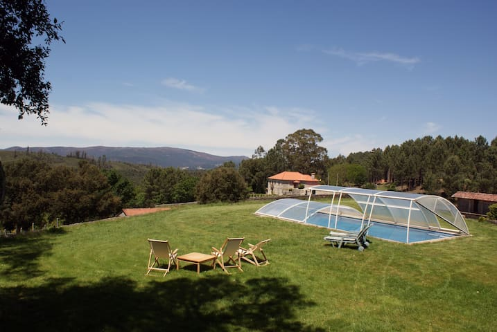 Portuguese Country House with pool - Romarigães - Vila