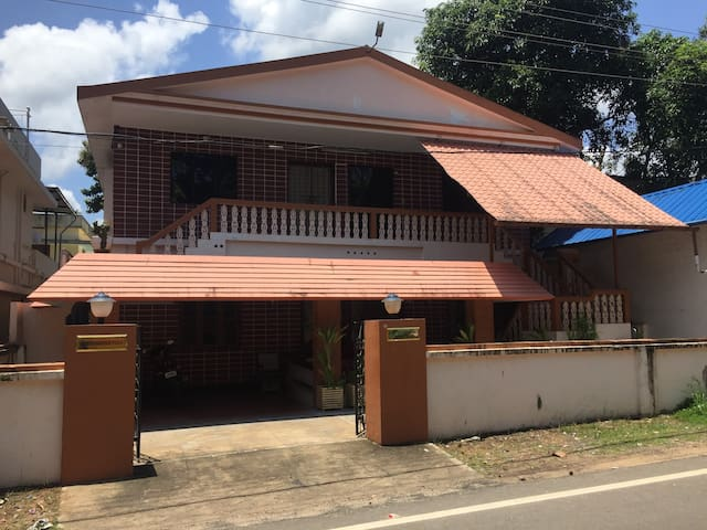 Best Serviced Villa near Cherai - North Paravoor - Villa