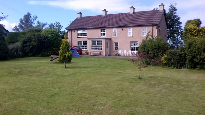 House/Large Garden1mile fromGameOfThrones filming - Limavady - Hus