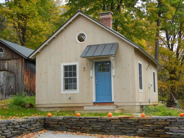 Cozy cottage by the brook - Stockbridge - Hus
