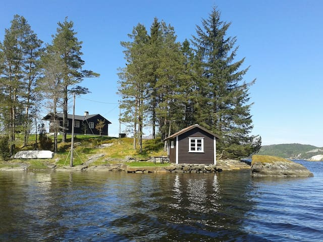 Beautiful peninsula by scenic fjord - Aksdal - Cabaña