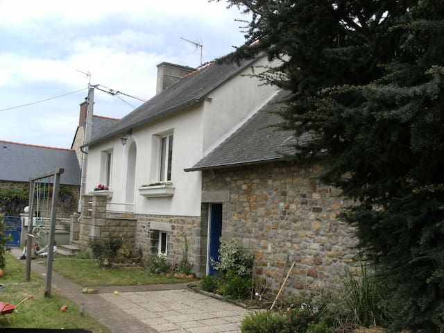 Detached rural retreat - Roz-sur-Couesnon - Hus
