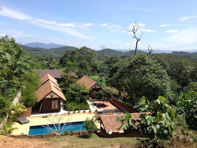 Tropical Private resort (1) - Beranang - Chalet