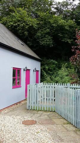 Larkey Studio - Welsh Boarders - The Cwm - Overig