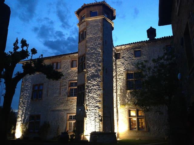 Dépendances du Château de Belmont - Belmont-d'Azergues