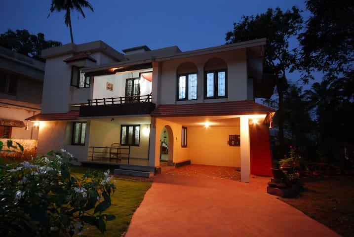 Goku's Homestay,Near Alleppey beach - Alappuzha - Huis
