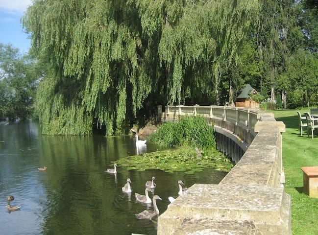 Riverside Mill Cottage - Chippenham