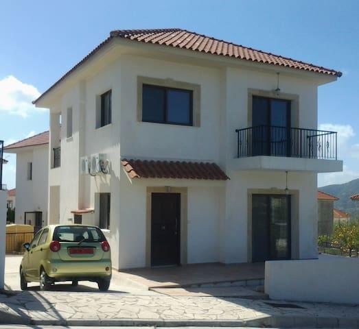15 Almond Meadows - Laneia - Huis