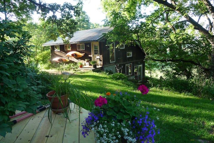 Cool, Scenic Country Art Studio - Mount Horeb - Casa