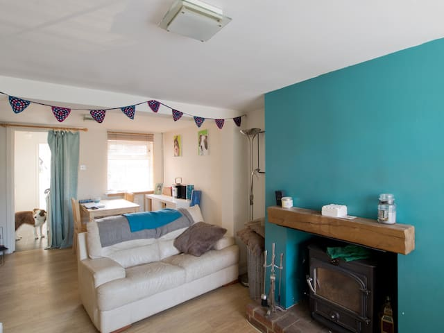 Cosy Double Room in Welcoming Home - Aston Clinton - Maison