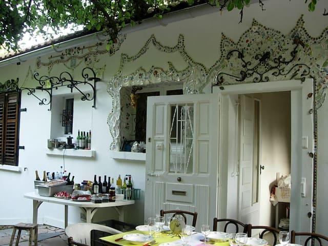 maison et jardin dans la campagne - Messein - Hus