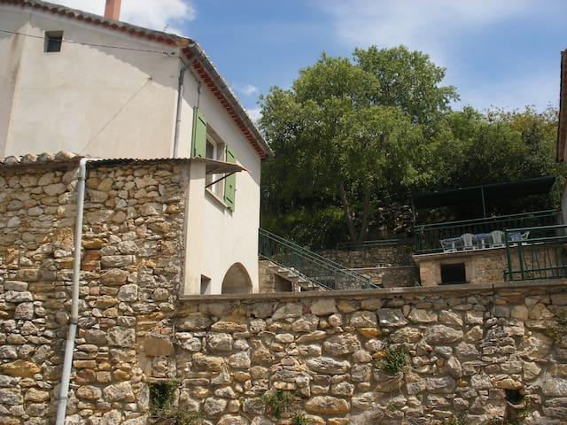 Maison gîte 6 personnes à Arlinde - Allègre-les-Fumades - Huis