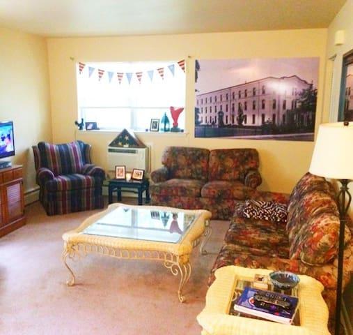 Well Kept 1 Bedroom Apartment - Collingswood - Departamento