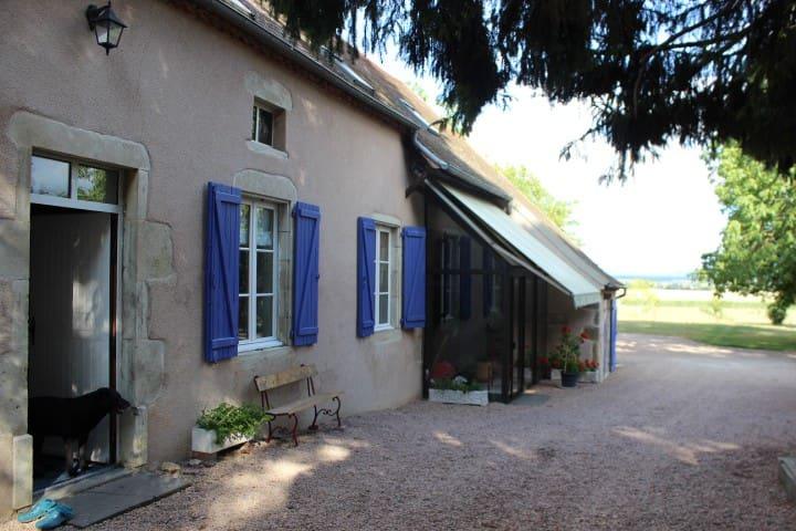 Chambre famille  en corps de ferme - Effiat