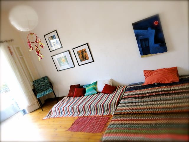 Artists home - Relax by the mediterranean - Limasol - Hus
