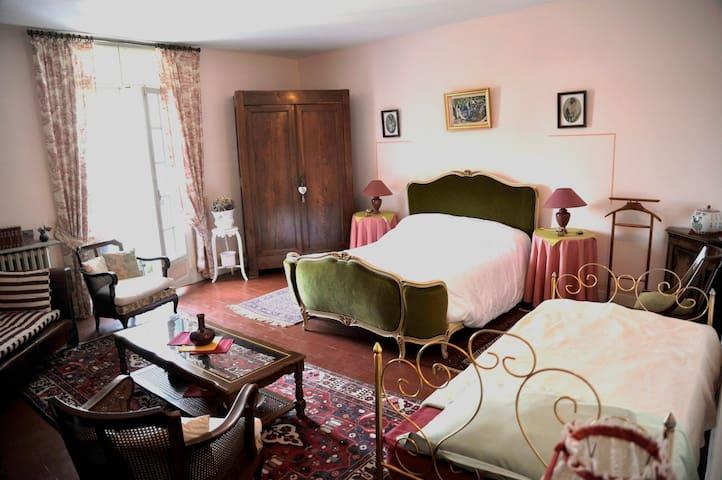 """Chambre  villa :  """"La Naïade"""" - Margon - Townhouse"""