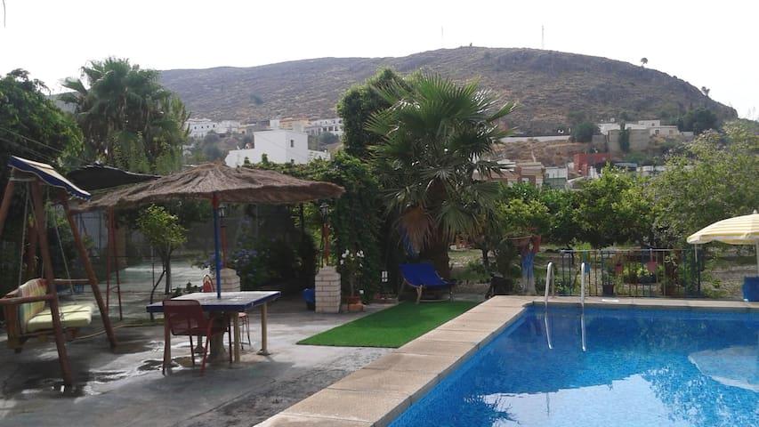 cottage with swiming-pool - Berja