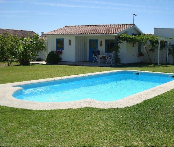 Modern Cozy Cottage,  with Spacious Garden & Pool - Pinhal Novo,