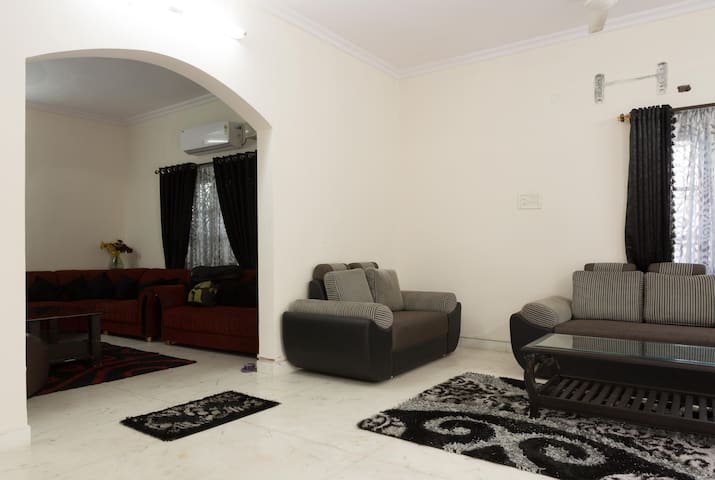 Independent House in Banjarahills - Hyderabad - Villa